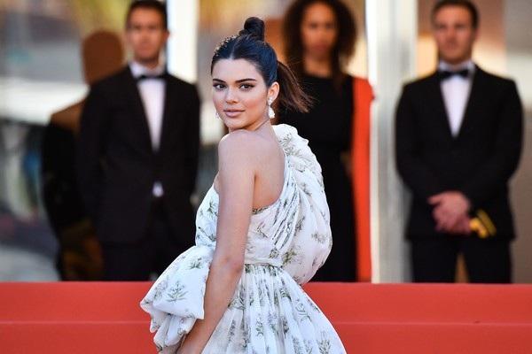 Kendall Jenner rực sáng tại Cannes - 6