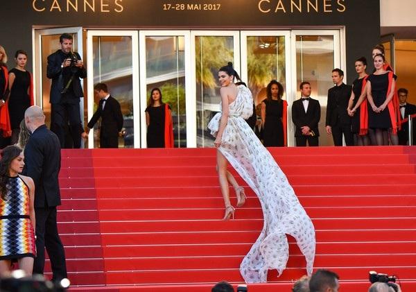 Kendall Jenner rực sáng tại Cannes - 7