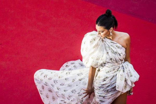 Kendall Jenner rực sáng tại Cannes - 11