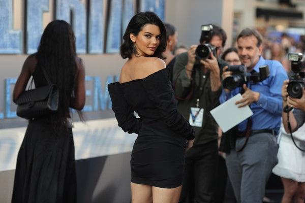 Kendall tâm sự, các người mẫu khác không nghĩ cô tới với nghề người mẫu 1 cách nghiêm túc