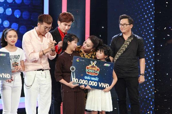 Hai chị em Thị Hương và Thị Linh giành giải nhất chương trình.