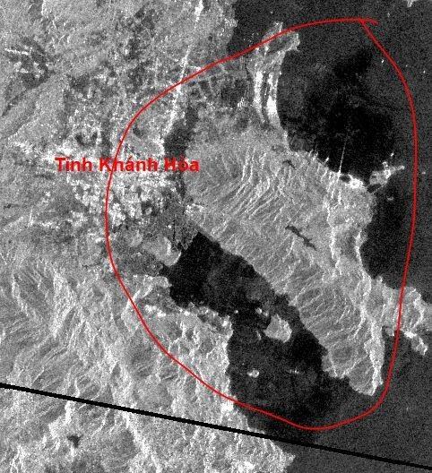 Khu vực có khả năng tràn dầu ven biển – khu vực thị xã Ninh Hòa - Tỉnh Khánh Hòa(Nguồn: JAXA).