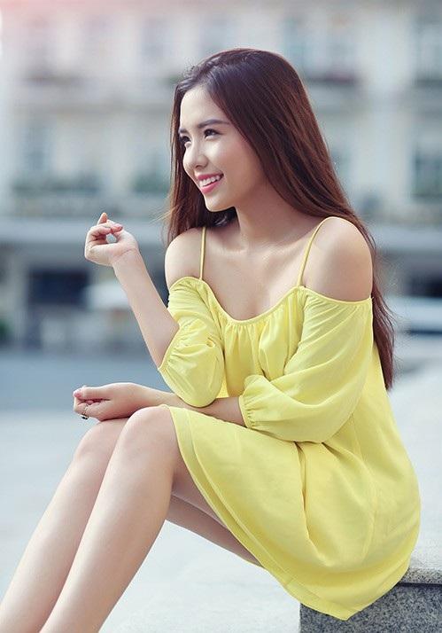 """Á hậu Khánh Phương """"Ba mẹ từng đánh không cho tôi đi thi hoa hậu"""" - 3"""