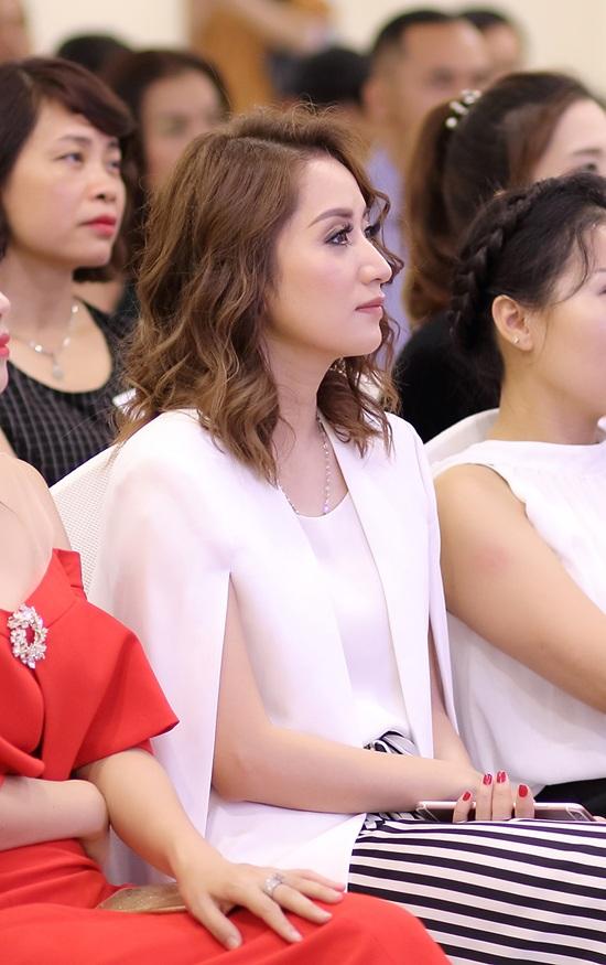 Khánh Thi: Tôi là người dễ rung động, dễ khóc.
