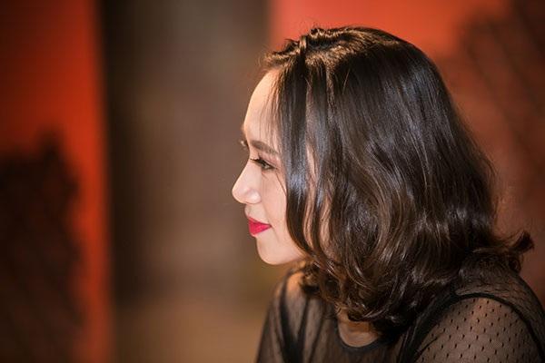 Khánh Linh: Từ bản thân, tôi đúc rút ra rằng, khi sống với mẹ chồng thì hãy sống thật lòng. Bản thân có khéo hay vụng thì cứ nói thật, sống thật.