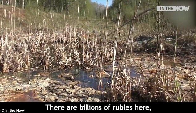 Theo ước tính ban đầy, khoảng 1 tỷ tiền rúp Liên Xô cũ được tìm thấy ở đây