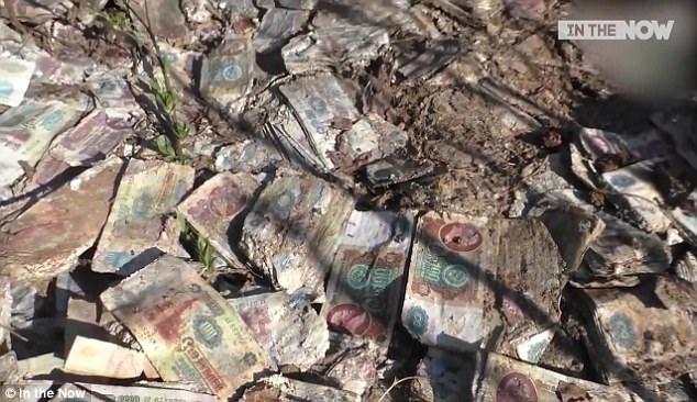 Tờ tiền rúp từ thời Liên Xô cũ đã chính thức không được lưu thông ở Nga kể từ năm 1993