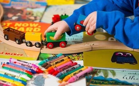 Nghiên cứu về cách cho trẻ chơi đồ chơi khoa học - 1