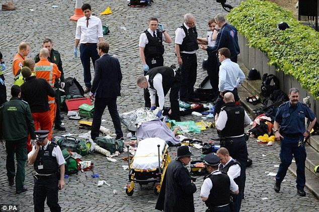 Vụ tấn công khiến ít nhất 5 người chết, 40 người bị thương. (Ảnh: PA)