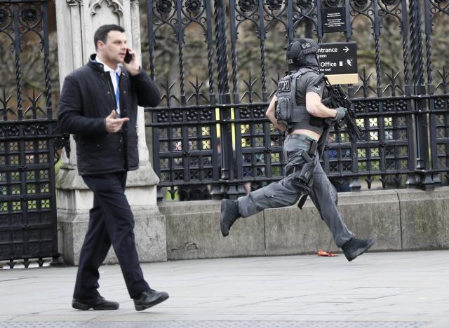 Thủ tướng Anh Theresa May sẽ triệu tập cuộc họp an ninh khẩn cấp vào hôm nay.