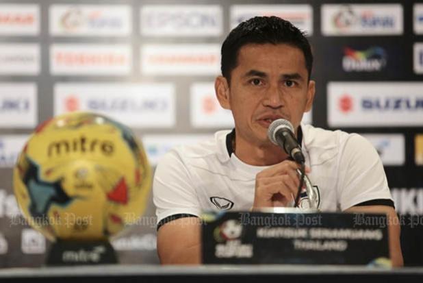 Kiatisuk gia hạn hợp đồng 1 năm với đội tuyển Thái Lan