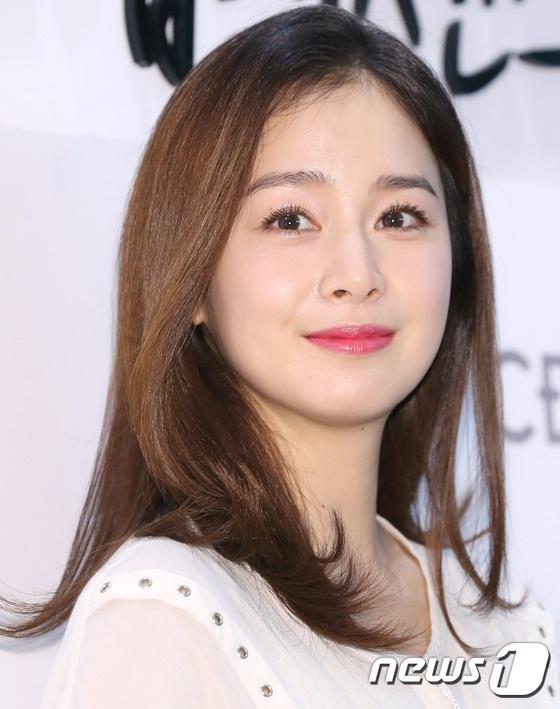 Kim Tae Hee xuất hiện tươi trẻ sau xác nhận mang bầu - 10