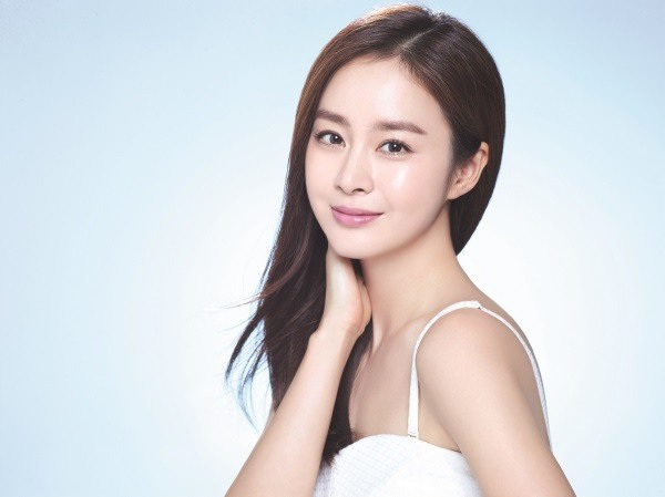 Kim Tae Hee đang cân nhắc trở lại với điện ảnh sau đám cưới vào ngày 19/1 vừa rồi.