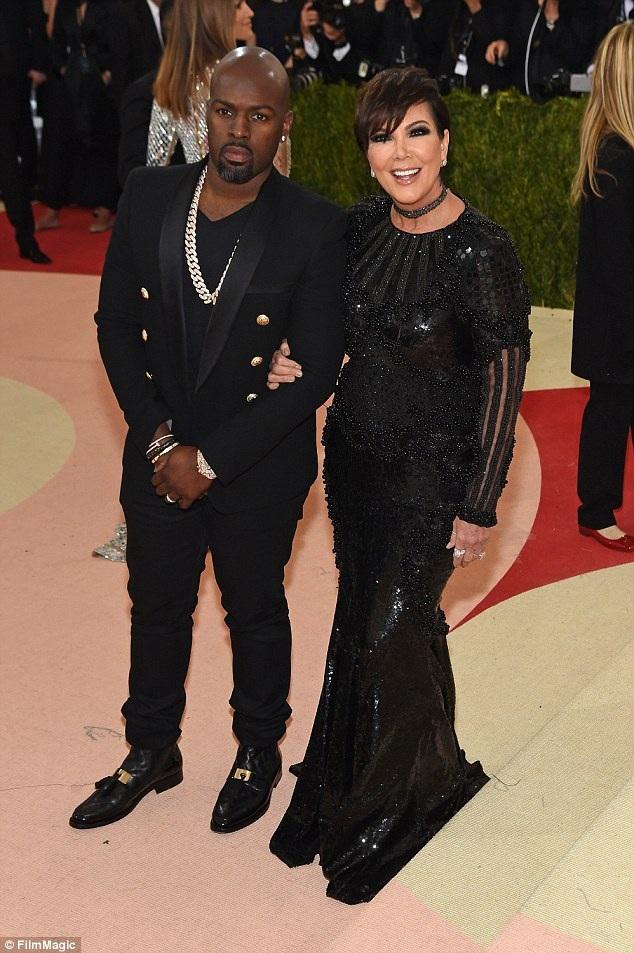 Tờ RadarOnline đưa tin, bà Kris Jenner vừa nói lời chia tay với bồ trẻ Corey Gamble sau hơn 2 năm hẹn hò