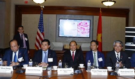 Thủ tướng Nguyễn Xuân Phúc tọa đàm với các tập đoàn, doanh nghiệp hàng đầu của Hoa Kỳ (ảnh: VGP)