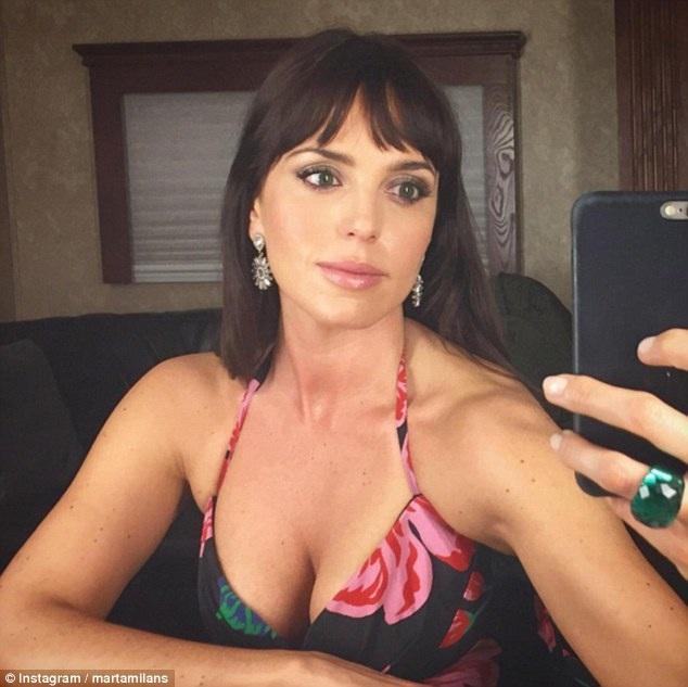 Marta Milans, 34 tuổi, bạn diễn của Joshua Sasse, được xem là người thứ ba trong mối quan hệ giữa Kylie và Joshua.