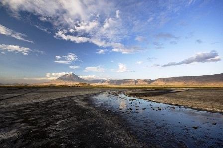 Kỳ lạ những hồ nước đổi màu đẹp đến khó tin trên thế giới - 12