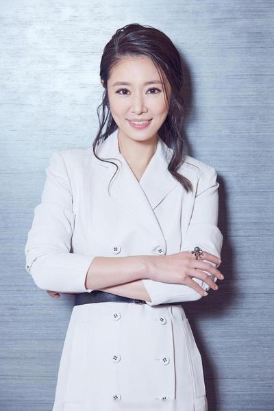Lâm Tâm Như cho biết, sau khi sinh con, cô cũng bị rụng tóc khá nhiều nhưng điều này không có nghĩa lý gì với hạnh phúc làm mẹ.
