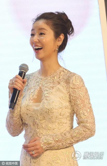 Nữ diễn viên 41 tuổi rạng ngời trong sự kiện hồi tháng 3/2017.