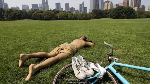 Một nghiên cứu đã chỉ ra rằng những doanh nhân nào có ít ngày nghỉ khi ở tuổi trung niên thường có xu hướng chết sớm hoặc có sức khỏe yếu kém khi về già.