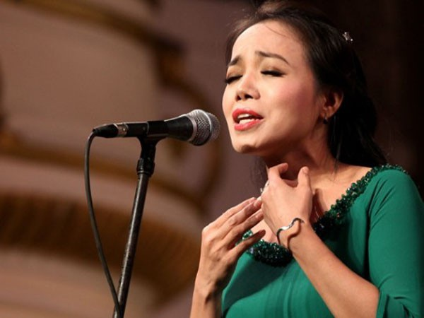 NSƯT Lan Anh biểu diễn trong chương trình. Ngoài ra đêm nhạc còn có sự góp mặt của NSND Lê Khanh trong vai trò MC, NSƯT Lan Anh, nghệ sĩ Hồ Tú, ca sĩ Ngọc Quý, Kiên Trung...