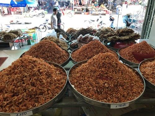 Đặc sản tôm khô Cà Mau mùa Tết.