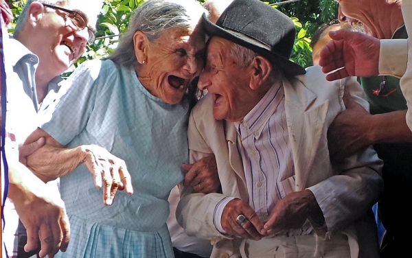 Bí quyết tránh xa ung thư của ngôi làng sống thọ nhất thế giới - 3