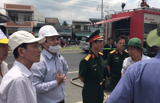 Lãnh đạo và lực lượng chức năng đã mặt tại hiện trường để cứu nạn cứu hộ