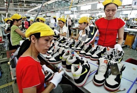 Công nhân Việt Nam được trả lương thấp hơn Trung Quốc.