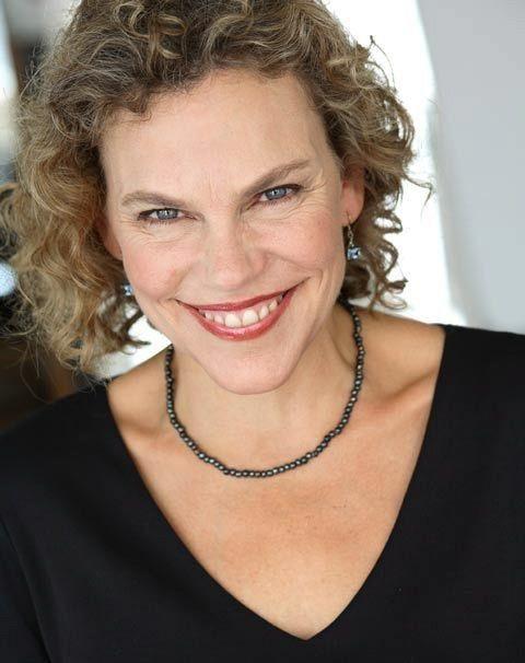 """Tiến sĩ Laura Markham - tác giả cuốn sách """"Rèn cha rồi mới rèn con""""."""