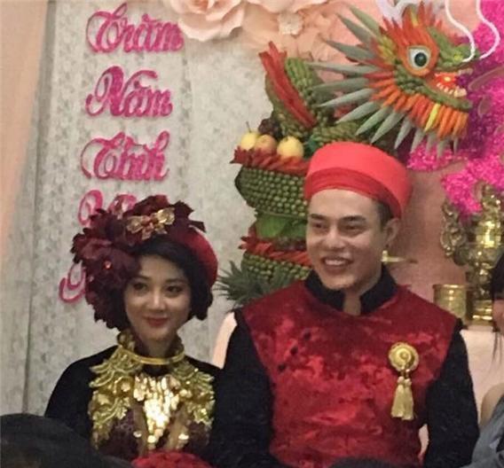 Được biết, bà xã Lê Dương Bảo Lâm tên là Quỳnh Anh là người cùng quê và có thời gian dài tìm hiểu trước khi tiến đến hôn nhân với danh hài nổi tiếng.