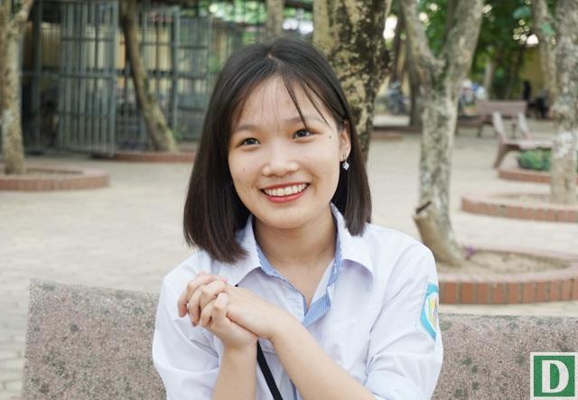 Lê Thị Phương Nhung - 1 trong 2 thủ khoa môn Ngữ văn kỳ thi THPT quốc gia 2017 của tỉnh Nghệ An