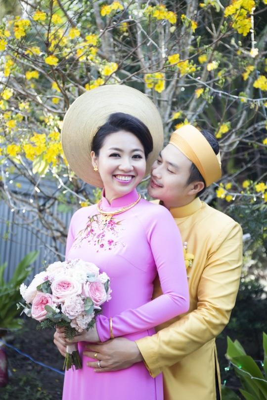Cuối năm 2014, Lê Khánh chính thức lên xe hoa cùng người yêu 12 năm - nam diễn viên Tuấn Khải.