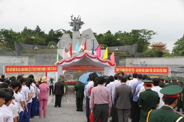 Nghĩa trang liệt sĩ quốc gia đường 9 là một trong 2 nghĩa trang lớn nhất tại Quảng Trị