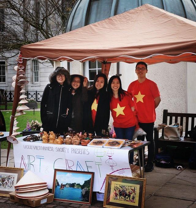 Lễ hội Văn hóa Việt Nam được khơi nguồn từ lòng yêu nước, tinh thần giao lưu quốc tế của các du học sinh Việt tại Anh quốc.