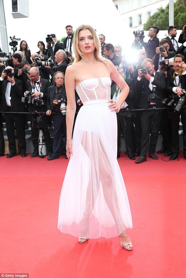 Siêu mẫu Anh Lily Donaldson dự công chiếu phim Loveless (Nelyubov) tại Cannes, Pháp ngày 18/5 vừa qua