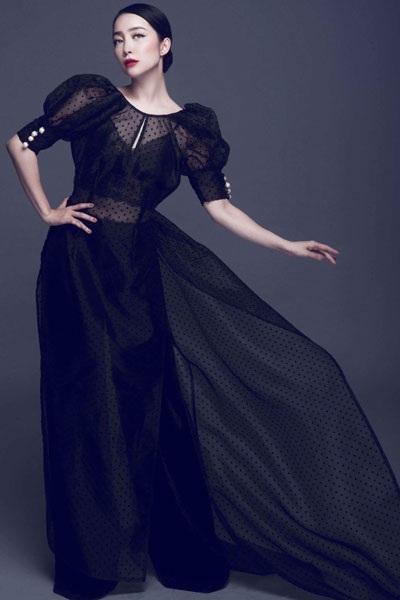 Không chỉ là một nghệ sĩ múa nổi tiếng, Linh Nga còn đắt show quảng cáo, chụp ảnh thời trang.