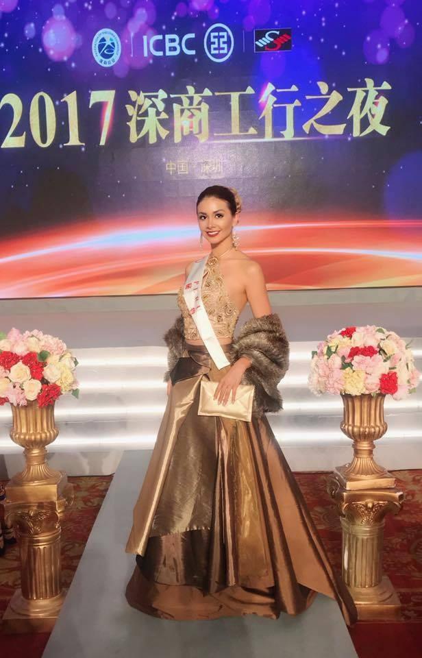 Hoa hậu Mỹ Linh diện áo dài trắng trong tiệc từ thiện của Hoa hậu Thế giới 2017 - 5