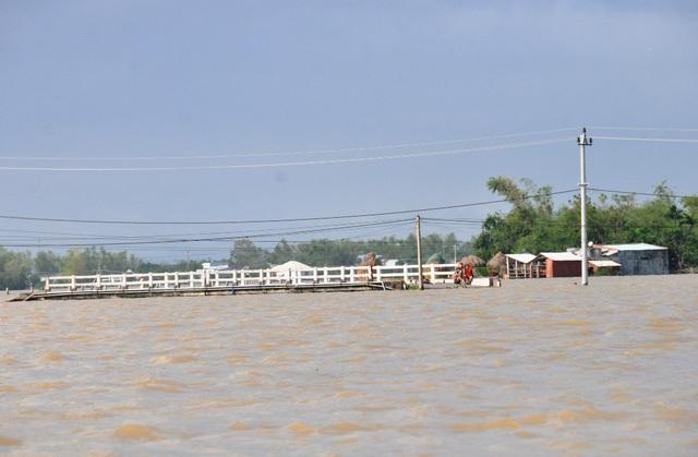 Nhiều nơi trên địa bàn tỉnh Bình Định bị ngập nặng do lũ hồi tháng 12/2017 (Ảnh: Doãn Công)