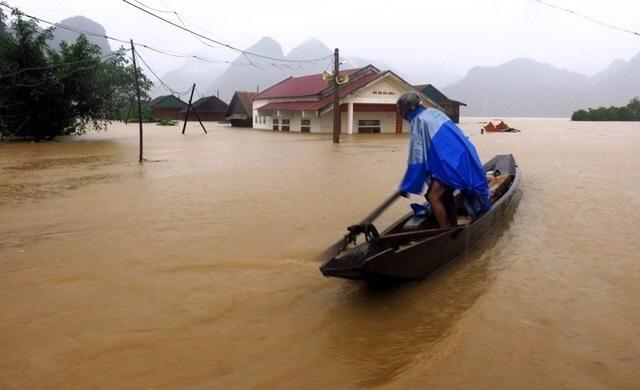 Báo Dân trí được nhận Bằng khen của Bộ trưởng Bộ TT&TT vì đã có thành tích xuất sắc trong công tác tuyên truyền và vận động hỗ trợ đồng bào miền Trung bị bão lụt.