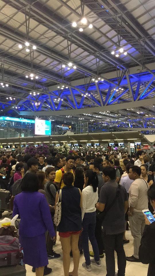 Hàng nghìn du khách mắc kẹt ở sân bay Bangkok vì mua phải tour lừa đảo