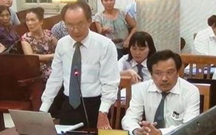 Luật sư Nguyễn Minh Tâm đang gỡ tội cho Nguyễn Xuân Sơn.
