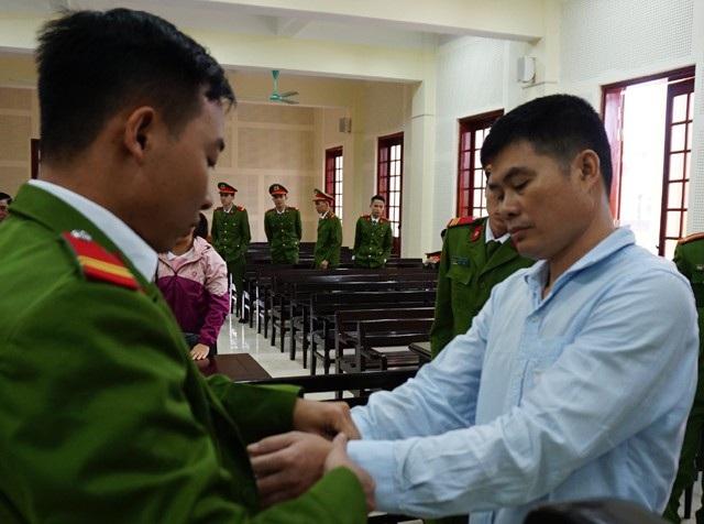 Vừa thi hành xong bản án 18 năm tù về tội Vận chuyển, lưu hành tiền giả, Lương Văn Cường tiếp tục nhận bản án 20 năm tù về tội Mua bán trái phép chất ma túy