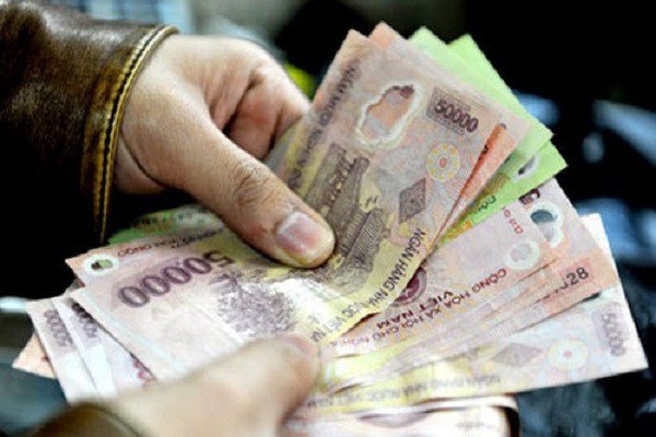 Từ hôm nay (1/1): Lương tối thiểu tăng từ 180.000 - 230.000 đồng - 1