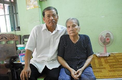 Mẹ và anh trai Đại tá Lý Đại Bàng.