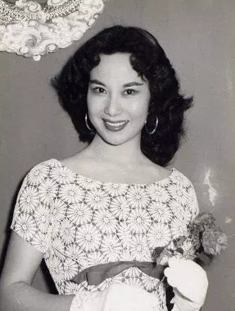 Bà Lý Lệ Hoa - huyền thoại điện ảnh Hồng Kông thời trẻ.