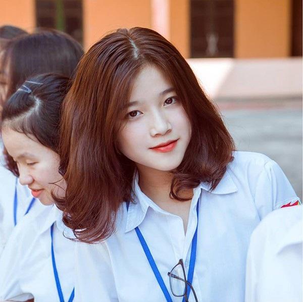 Đây là Khánh Ly - nữ sinh Chuyên Hùng Vương, Phú Thọ.