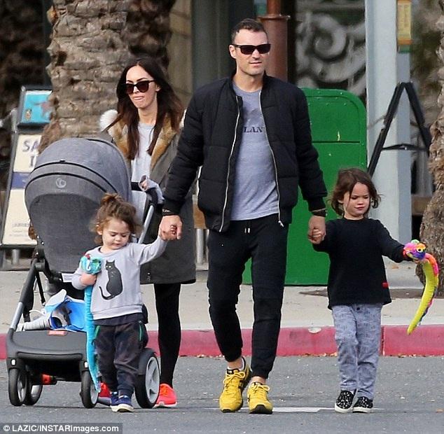 Nam diễn viên 40 tuổi tự hào khi nhìn lại 13 năm bên Megan Fox. Anh nói: Chúng tôi có những đứa con đáng yêu và mối quan hệ tuyệt vời nhưng bạn nên nhớ, nó cần bạn nỗ lực mỗi ngày.