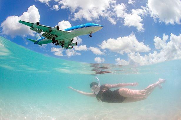 Tại Maho, du khách được trải nghiệm cảm giác máy bay bay ở cự ly rất gần mặt đất
