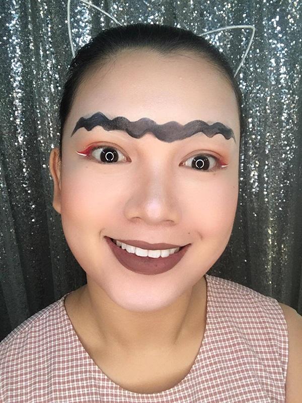 Nếu có nhiều thời gian, Linh còn có thể sáng tạo ra 101 kiểu lông mày thú vị khác. Điều này được rất nhiều dân mạng ủng hộ. Và điều đó khiến Linh rất vui.
